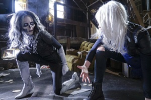 """""""Worlds Finest"""" -- Kara gains a new ally when the lightning-fast superhero The Flash suddenly appears from an alternate universe and helps Kara battle Siobhan, aka Silver Banshee (Italia Ricci, left), and Livewire (Brit Morgan, right) in exchange for her help in finding a way to return him home, on SUPERGIRL, Monday, March 28 (8:00-9:00 PM, ET/PT) on the CBS Television Network. Photo: Robert Voets/Warner Bros. Entertainment Inc. © 2016 WBEI. All rights reserved."""